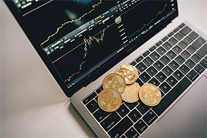 Top 5 Advantages of Investing in Bitcoin